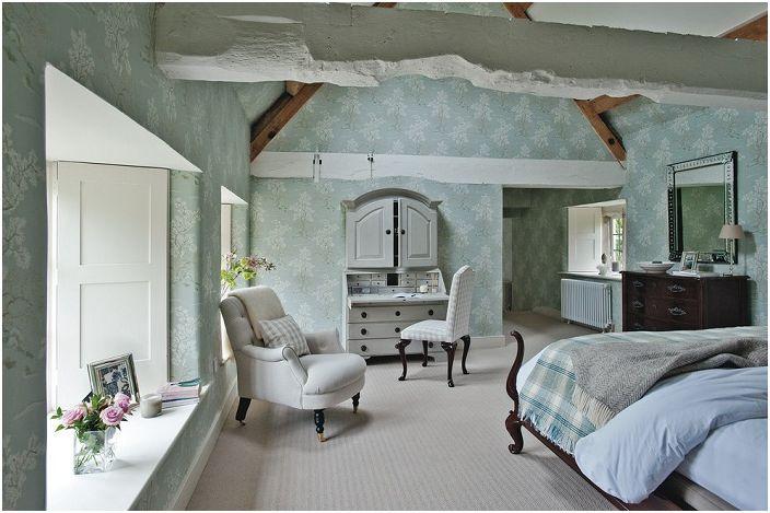 Мебелите с история ще преобразят обзавеждането на спалнята и ще я направят необичайна и загадъчна.