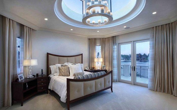 Intérieur de la chambre avec puits de lumière par Martin Architect