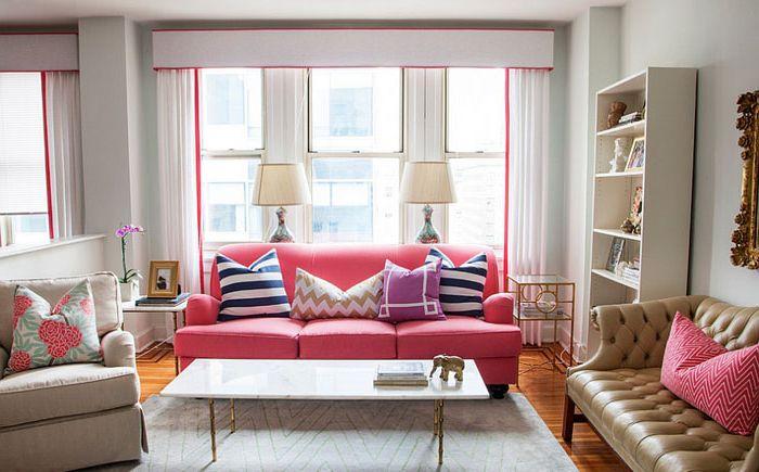 Яркий розовый в гостиной от Caitlin Wilson