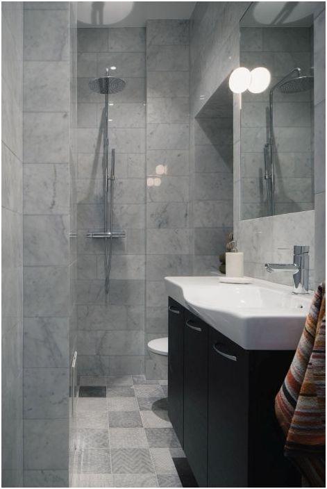 Една малка баня визуално изглежда по-голяма