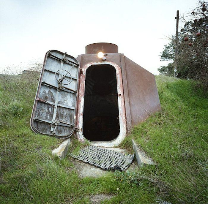 Входът в приюта трябва да бъде защитен от радиоактивно излъчване.