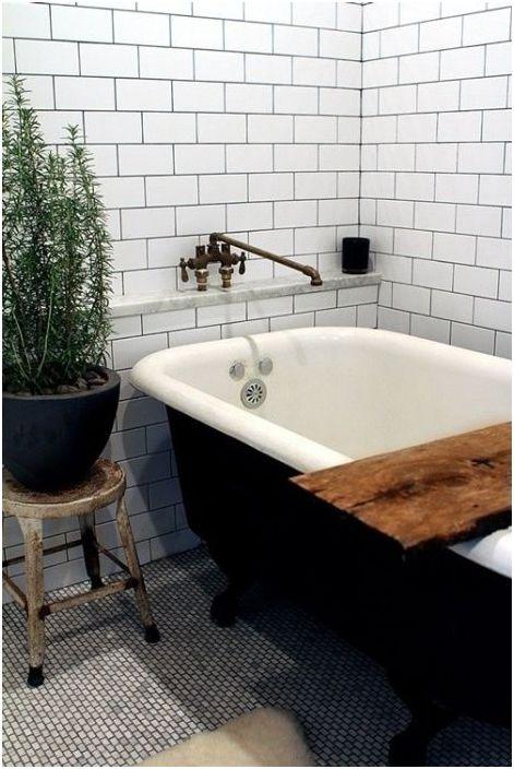 В качестве материала для отделки стен подойдёт белая керамическая плитка