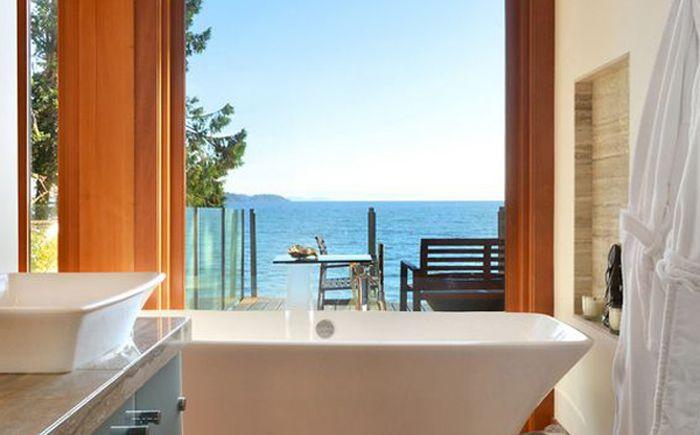 Ванная комната с панорамным видом