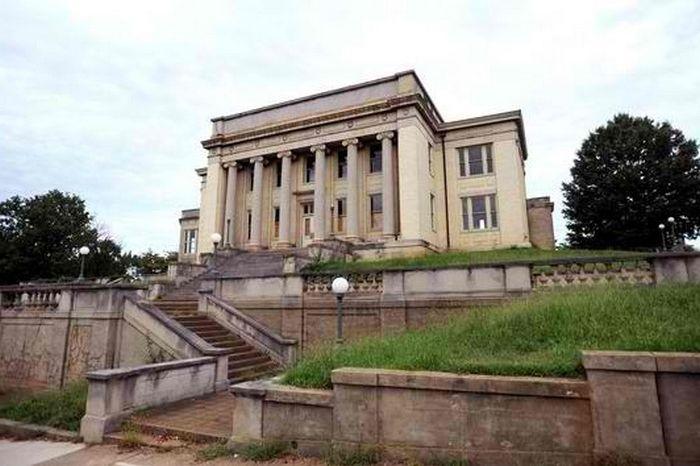 Мемориальная библиотека Джонс.