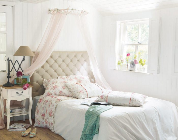 Bedroom- in- Provence- style-555-17