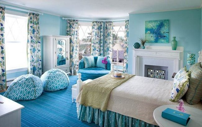 blue-and-white-bedroom-design-ideas