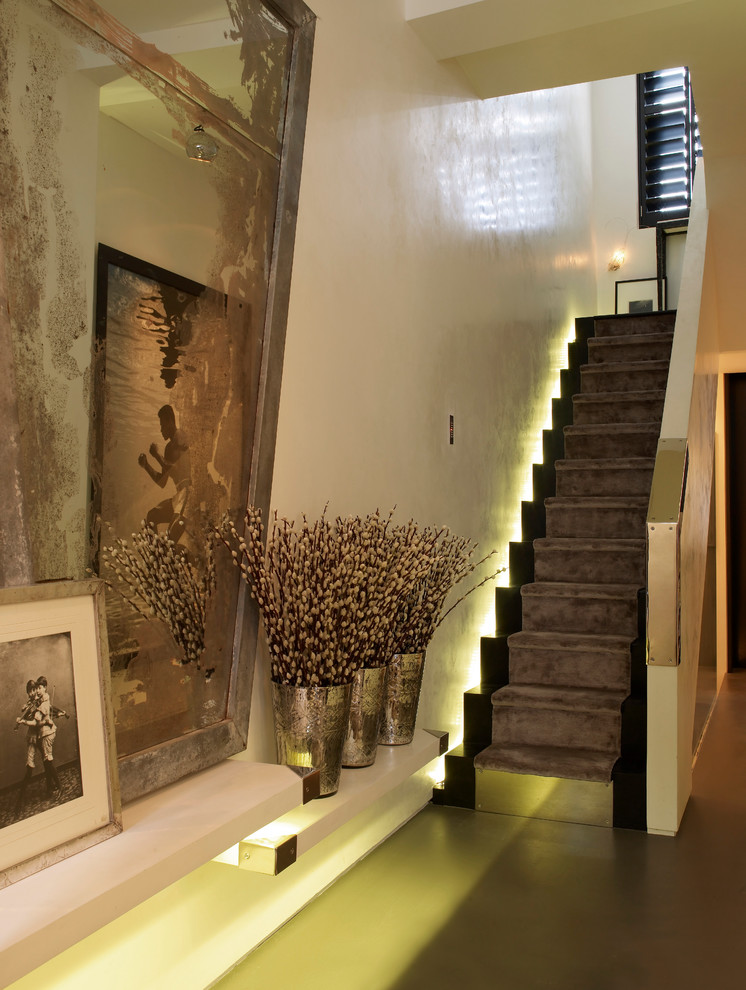 How- to- arrange- lighting- on- the- stairs- in- your- house-222-7