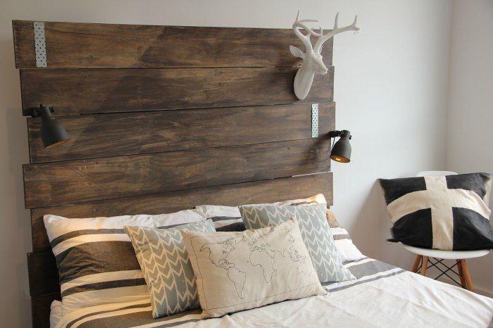 Декоративно табло и много възглавници ще украсят мястото за спане.