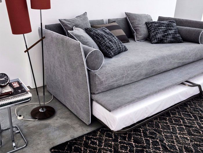 Rozkładana sofa to wszechstronne rozwiązanie dla małego domu.