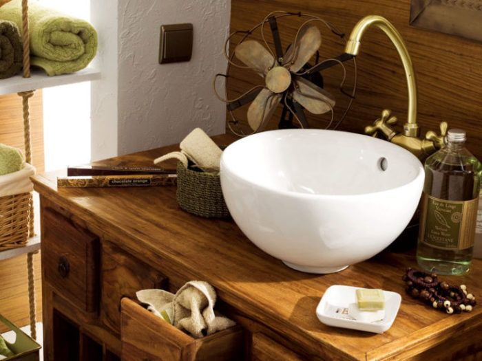 Течният сапун е по-хигиеничен и по-удобен от твърдия сапун.