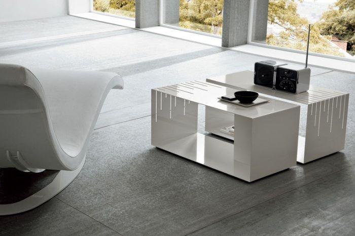Столик аналогичной формы можно изготовить на заказ из любого материала.