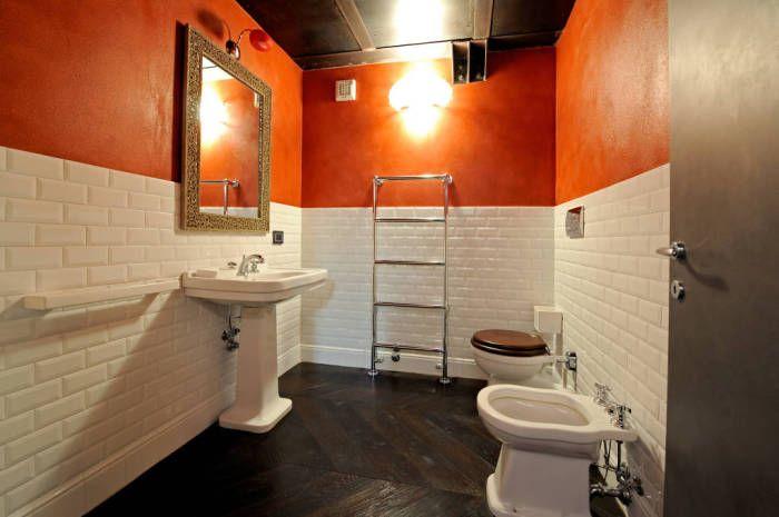 Nawet nietypowa łazienka może być ergonomiczna.