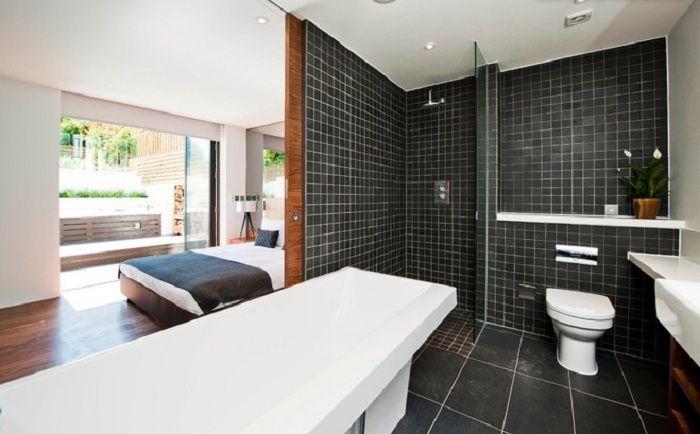 Ванная комната полуоткрытой планировки - модный западный тренд.