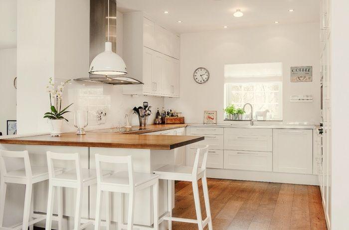 Многостепенното осветление е от съществено значение в интериора на кухнята.