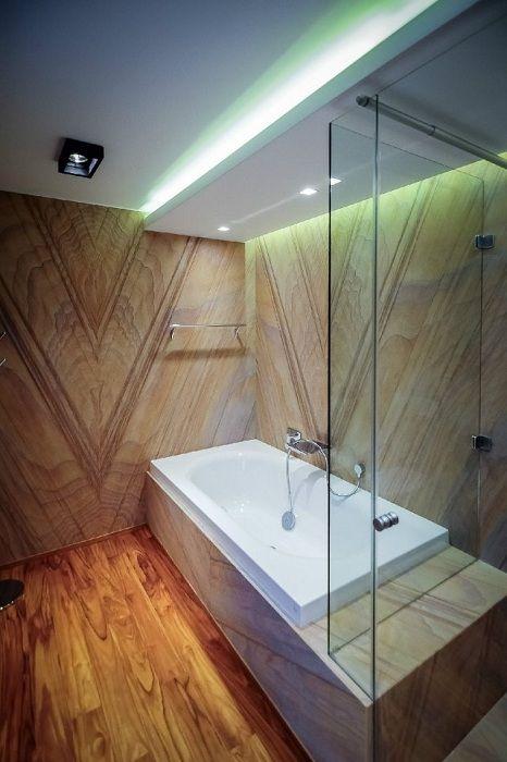 Удачное решение оформить интерьер ванной комнаты в дереве, что создаст дополнительный комфорт и уют.
