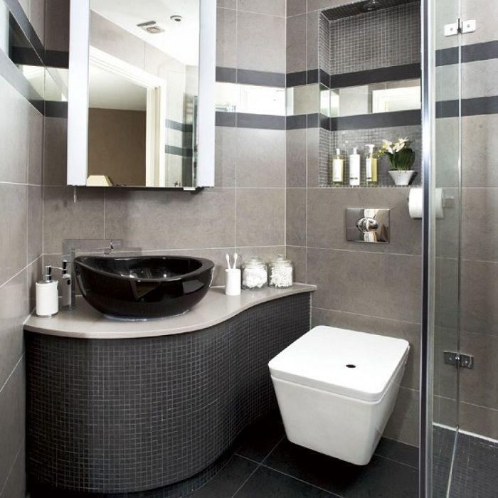Крутой декор ванной комнаты в темных тонах, что станет нестандартным решением.