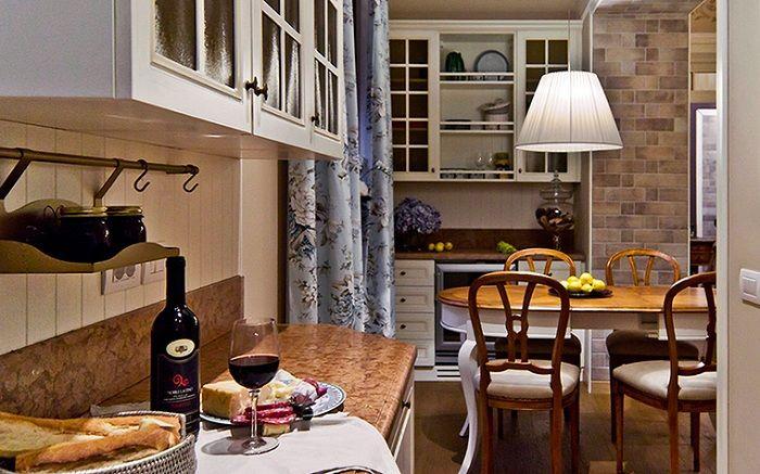 Комфортная и уютная обстановка, что может быть еще лучше в оформлении декора кухни.