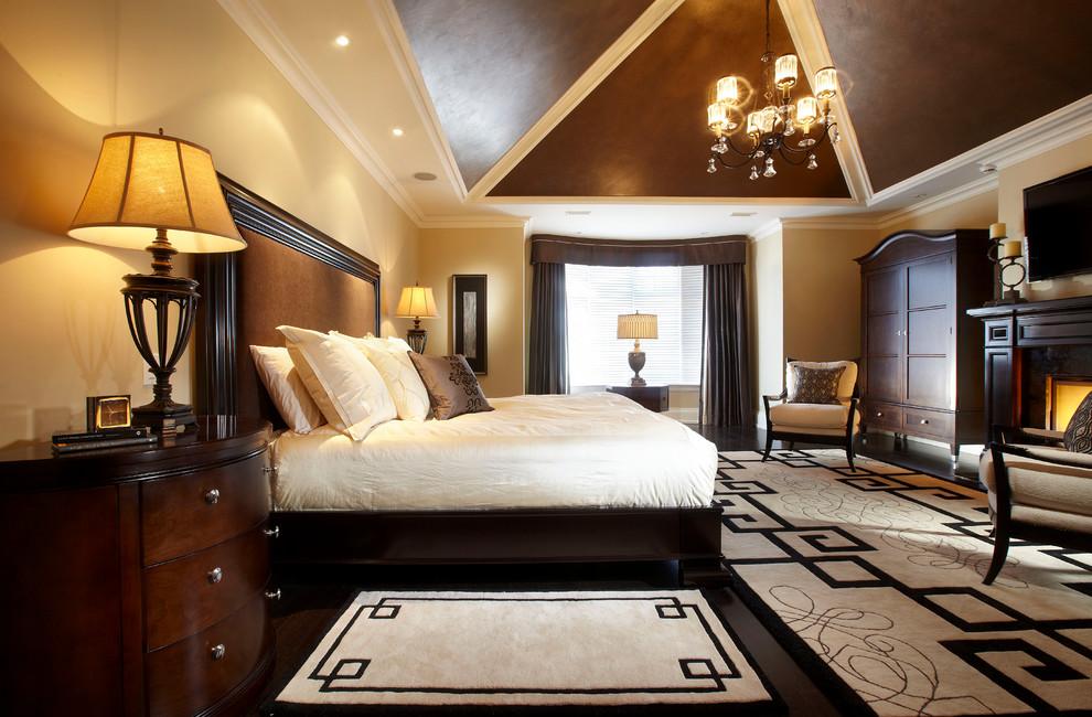 Как да декорираме традиционна спалня за мъже