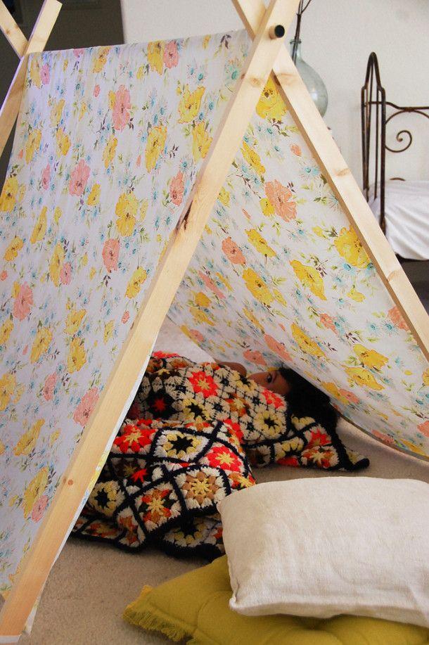 Делаем сами: детская палатка из старых простыней