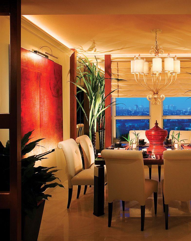 Чудесно романтическое освещение в интерьере обеденной зоны