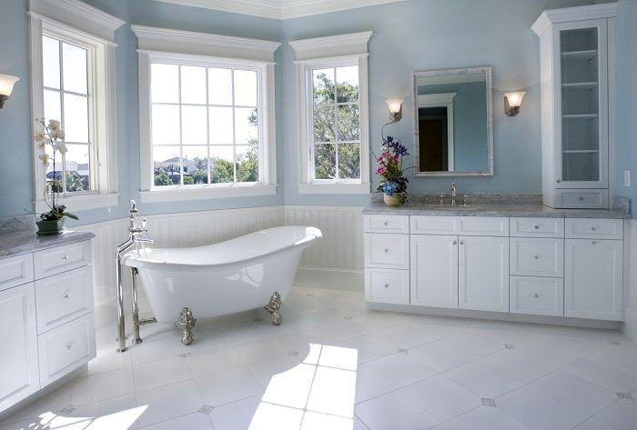Super stylowe i nietuzinkowe wnętrze utrzymane w białej tonacji, które prezentuje się dostojnie i pięknie.