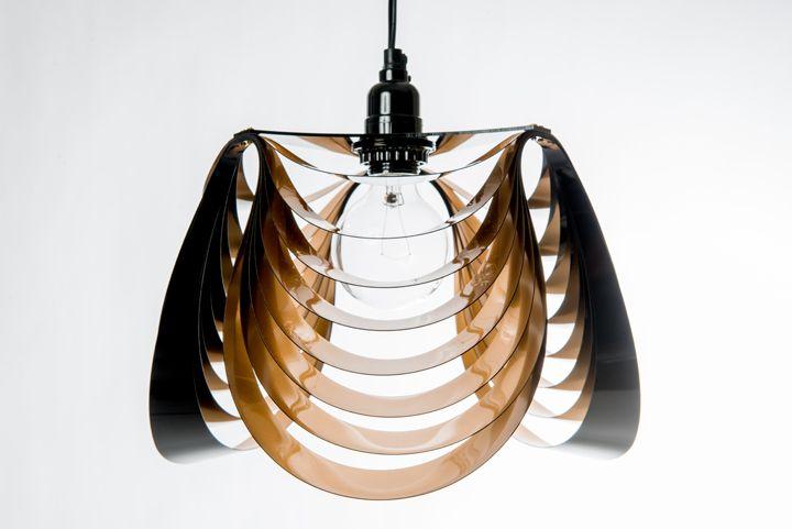 Удивительная лампа THREE