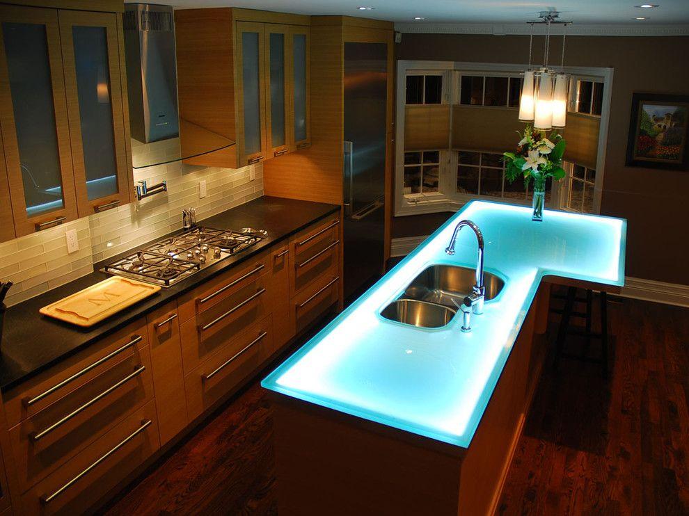 Кухонная столешница с неоновой подсветкой
