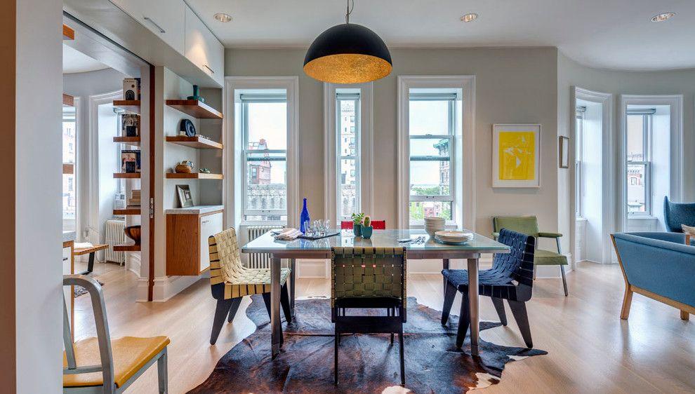 Шикарная люстра в интерьере обеденной зоны от Ed Kopel, Architect