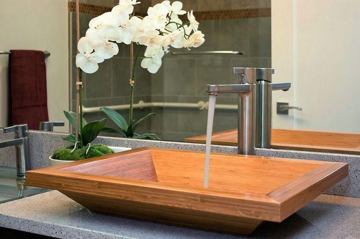 Крутой интерьер ванной комнаты создан благодаря лучшим идеям по декорированию пространств.