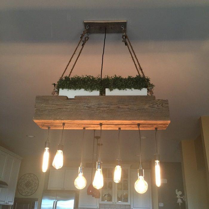 Ярък вариант за декориране на интериора е използването на такава нестандартна лампа.