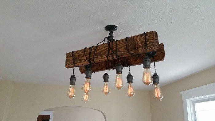 Хубава лампа, изработена от дърво, която ще впечатли максимално.