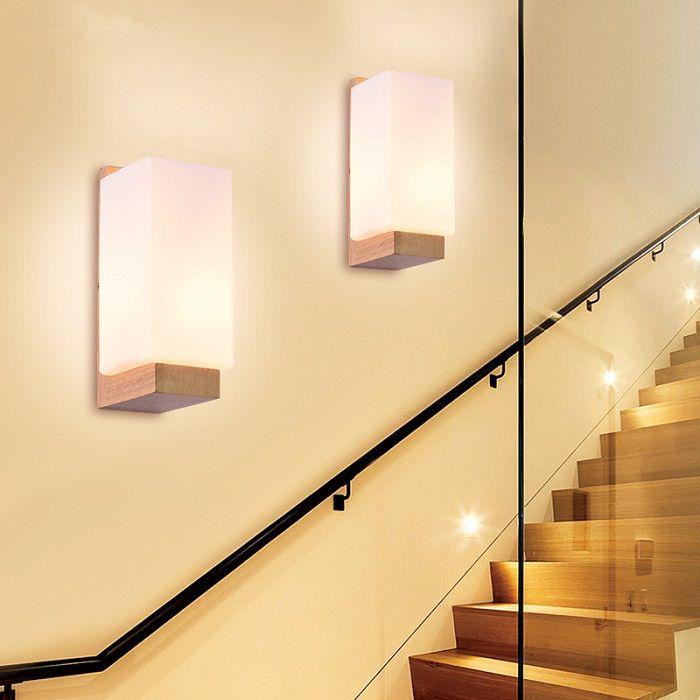Можете да създадете положително настроение с ярки и слънчеви стенни лампи.