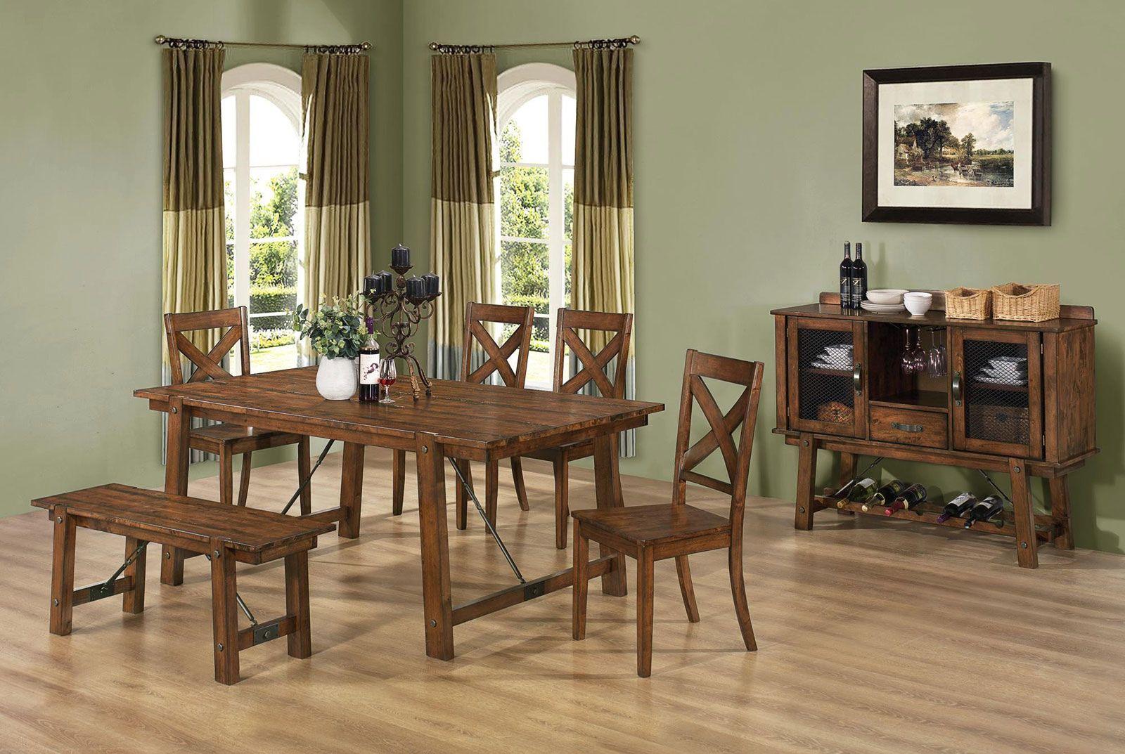 Erinomaiset huonekalut maalaistaloon