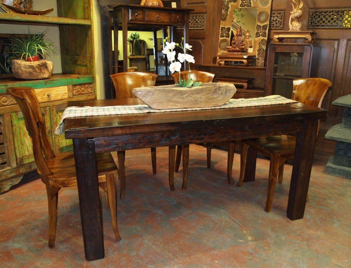 Kauniit huonekalut maalaistaloon
