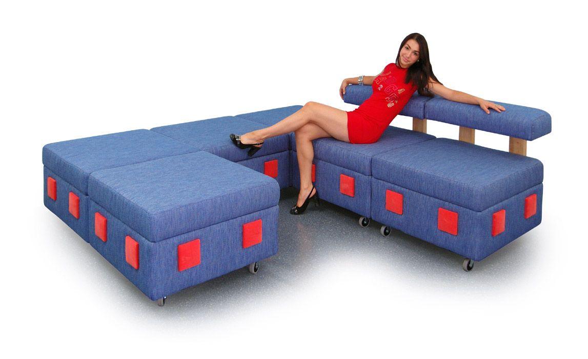 Угловой синий диван