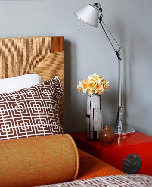 Необычная лампа как акцентная деталь интерьера