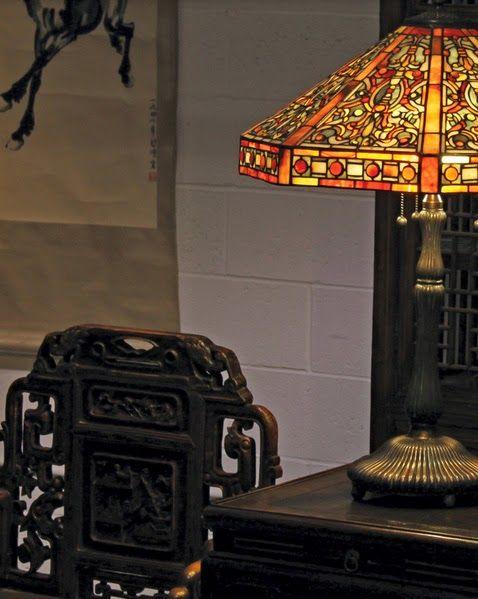 Прекрасна настолна лампа като акцентно парче от интериора