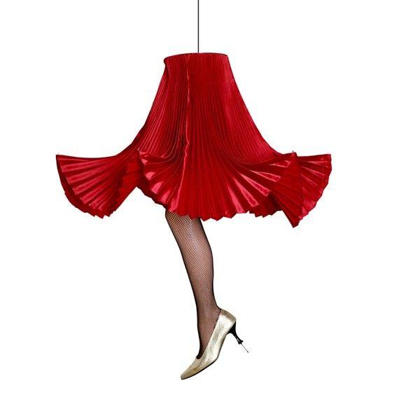 Авторски ръчно изработени лампи във формата на пола от Александра Цукало