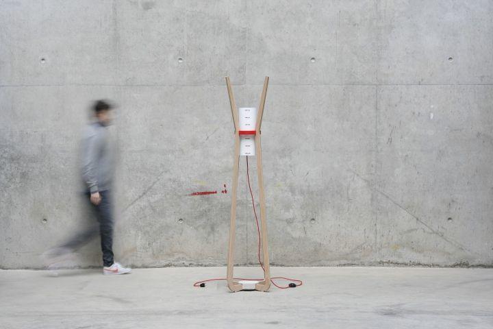 Уникальная напольная лампа & вешалка от GuillermoAlcayna