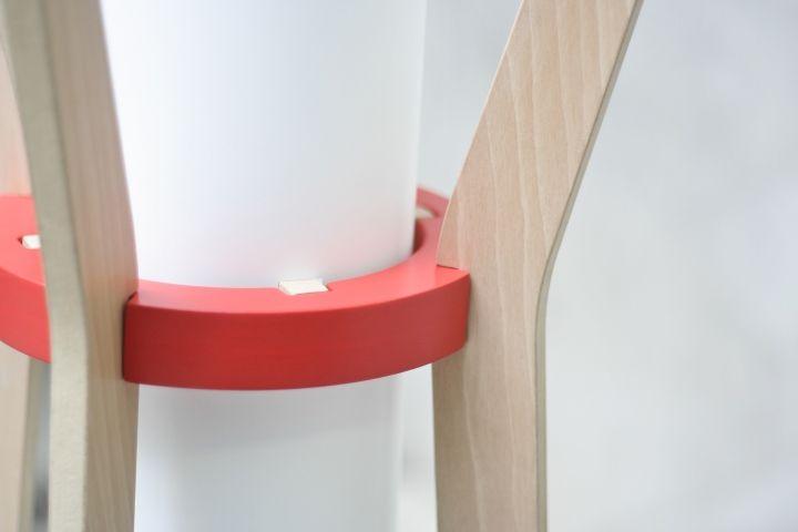 Красивая напольная лампа & вешалка от GuillermoAlcayna