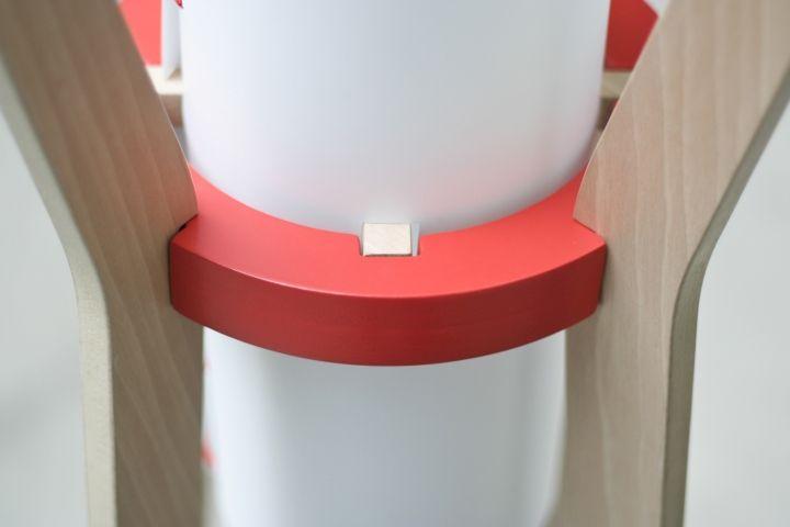 Крутая напольная лампа & вешалка от GuillermoAlcayna