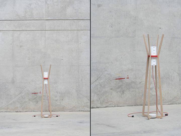Замечательная напольная лампа & вешалка от GuillermoAlcayna