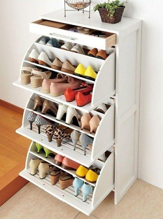 Sikeres és nagyon praktikus megoldás a cipők tárolására, amely lehetővé teszi a belső tér gyors és egyszerű átalakítását.