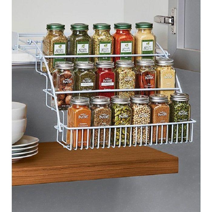 Az optimális megoldás egy nagyon hűvös és csodálatos lehetőség létrehozására, amellyel a konyhában nagy mennyiségű anyag tárolható.