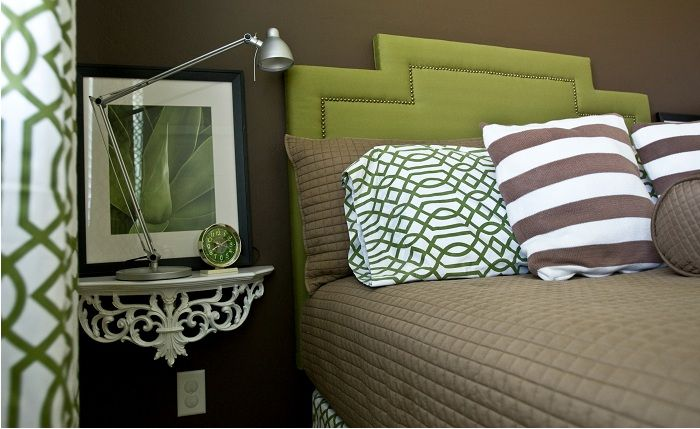 Et flott alternativ å lage en så kul kreativ openwork-hylle i nærheten av sengen som vil inspirere.