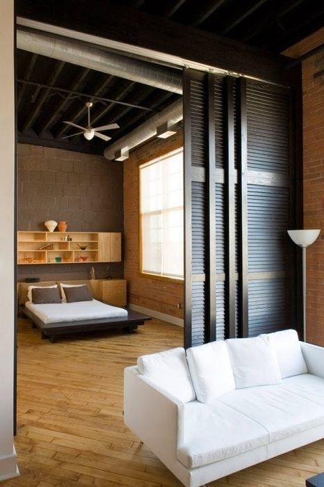 Lehetőség a szobák zónákra osztására tolóajtókkal.