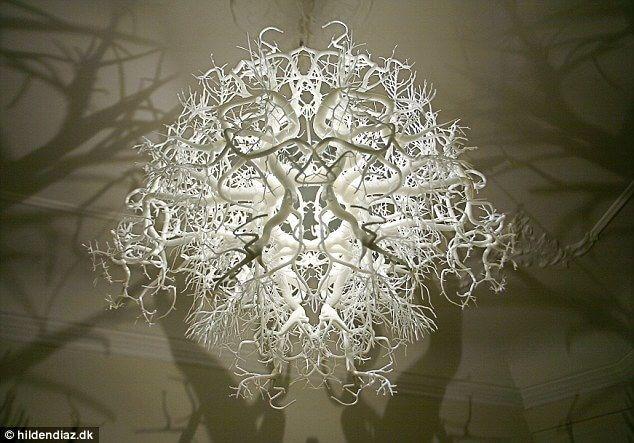 Подвесной светильник с ветвями. Фото 3