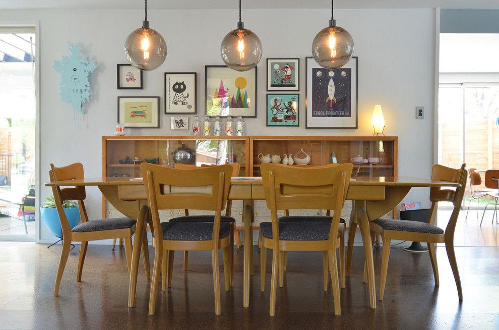 Шарообразные светильники в интерьере обеденной зоны от Sarah Greenman