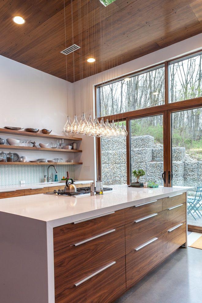 Хрустальная люстра в интерьере кухни от Jason Snyder