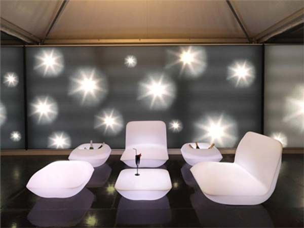 Очаровательный диван, кресло, стул, стол и тумбы с подсветкой